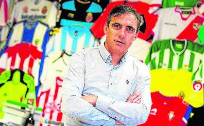 Manolo Salvador y su gestión deportiva al frente del Levante han despertado el interés del Granada.