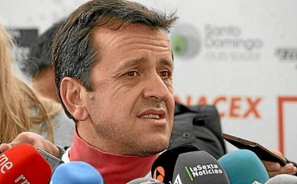 El exjugador del Barcelona analiza el Clásico.