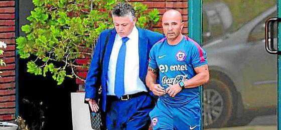 Sampaoli, en un imagen con Fernando Baredes.