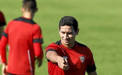 Ganso regresa al once del Sevilla.