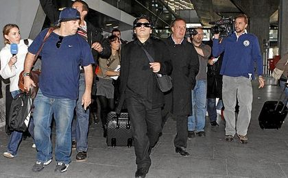 Bilardo, junto a Maradona.