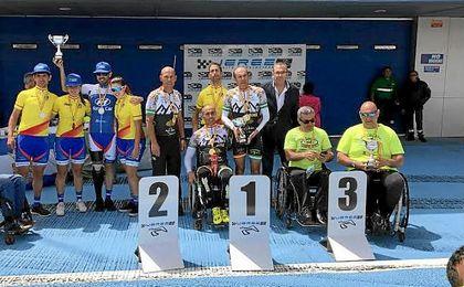 Imagen de los campeones en Jerez.