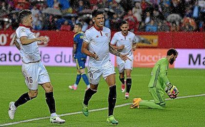 Correa celebra su gol ante el Celta de Vigo.