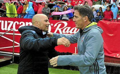 Berizzo y Sampaoli se saludan cariñosamente antes del Sevilla-Celta.