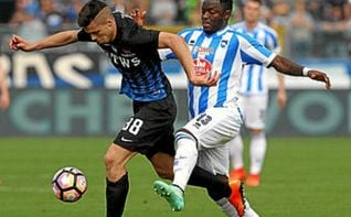 Muntari dejó el campo en el Cagliari-Pescara tras insultos racistas