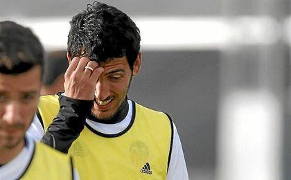 Dani Parejo, en un entrenamiento del Valencia.