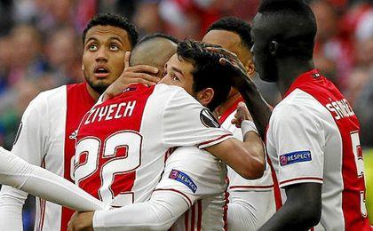 El Ajax destrozó al Lyon.
