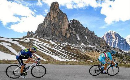 Los organizadores del Giro retiran el premio al mejor bajador