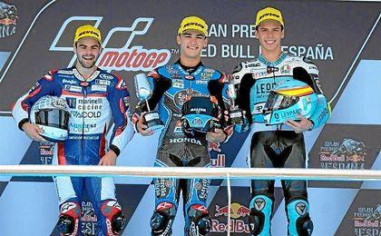Canet se impuso en Jerez, seguido de Fenati y Mir.