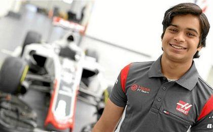 Haas ficha al indio Arjun Maini como nuevo piloto de desarrollo