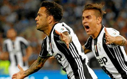 Dani Alves anotó el primer tanto de la Juventus.