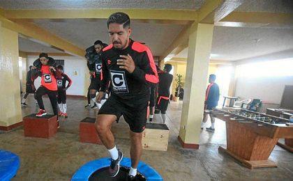 Juan Vargas se machaca para llegar bien al inicio del Apertura peruano.
