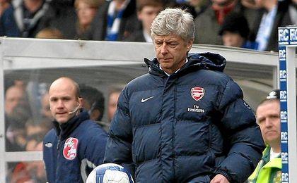 Wenger aún no sabe si seguirá más tiempo en el Arsenal.