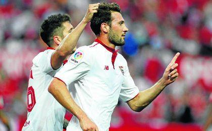 Franco Vázquez celebra uno de los dos goles que marcó en el último partido de Liga ante Osasuna.