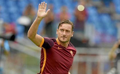 Totti anuncia que jugará el domingo su último partido con el Roma