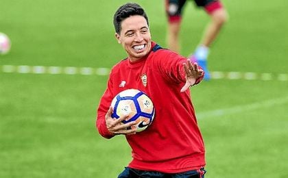 Nasri, durante un entrenamiento del Sevilla.