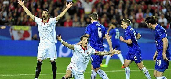 Iborra y Jovetic, en el partido ante el Leicester.