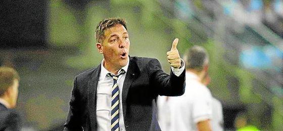 Salvo sorpresa mayúscula, el Sevilla y Berizzo intentarán alcanzar hoy el ´O.K.´ del técnico argentino.