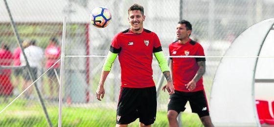 Jovetic, durante un entrenamiento en la ciudad deportiva.