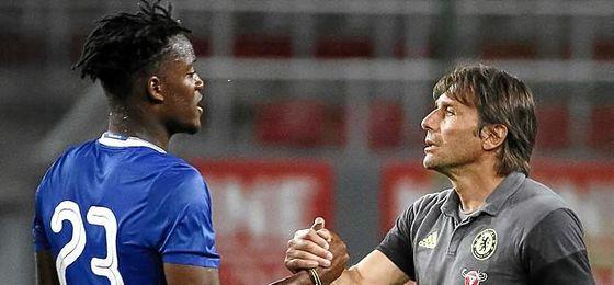Conte no le ha dado muchos minutos al futbolista.