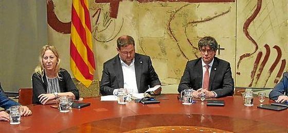 Puigdemont, junto a Junqueras.