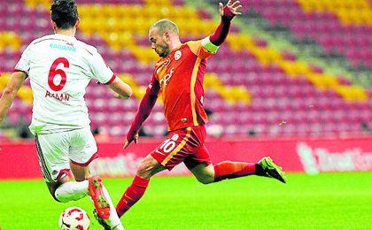 Wesley Sneijder no está contento en el Galatasaray.