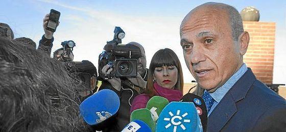 Del Nido, a la salida de la cárcel de Huelva.