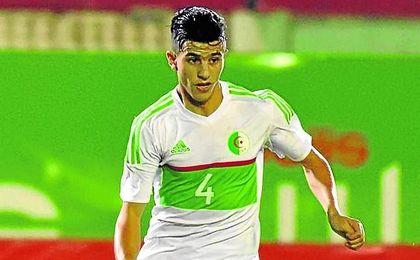 El argelino insiste en que jugará de verdiblanco.