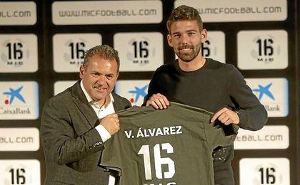 Víctor Álvarez, en un acto promocional, no seguirá en el Espanyol.
