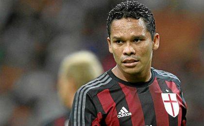 Carlos Bacca expresó su intención de seguir en el Milan.