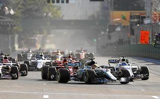 """Hamilton: """"Si Vettel quiere demostrar que es un hombre, que lo haga fuera del coche"""""""