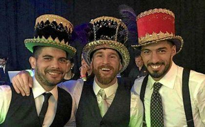 Banega, junto a Messi y Luis Suárez, en la boda de la ´Pulga´.