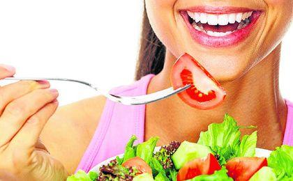Una buena alimentación es fundamental para un rendimiento físico óptimo y para la salud bucal.