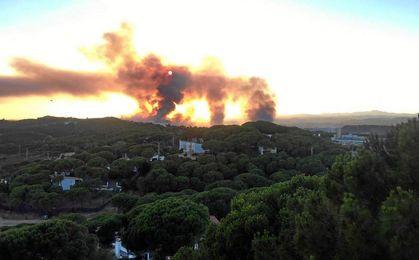 Imagen del incendio en la localidad onubense