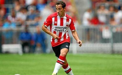 Guardado se ha reconvertido en pivote en el PSV.