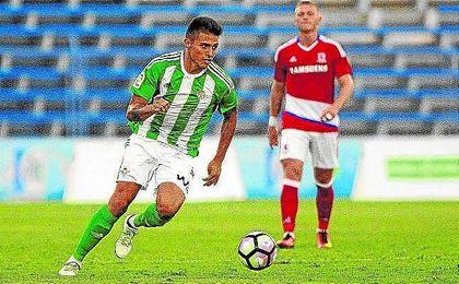 El colombiano Narváez ya estuvo con el primer equipo el año pasado.