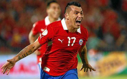 Gary Medel es la alternativa de Tigres a la salida de Guido Pizarro.