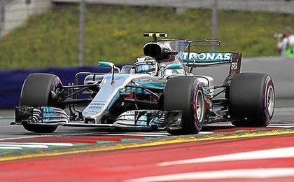 Bottas saldrá primero, junto a Vettel; y Hamilton arranca octavo en Austria