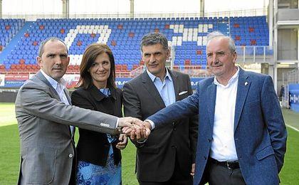 Acuerdo del Eibar con su director deportivo.