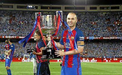 El manchego, con la última Copa del Rey culé.