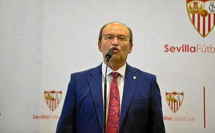 José Castro se remite a un acuerdo que ya está cerrado con el canario.