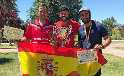Carlos Moreno, a la derecha de la imagen