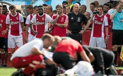 Momentos en los que el jugador era atendido por los servicios médicos.