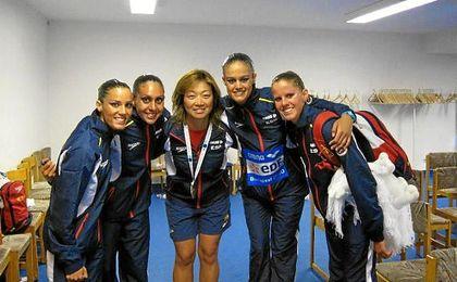 Fujiki, en el centro de la imagen, iniciará su tercera etapa en el equipo español.