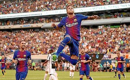 Neymar celebra su primer gol ayer ante la Juventus.