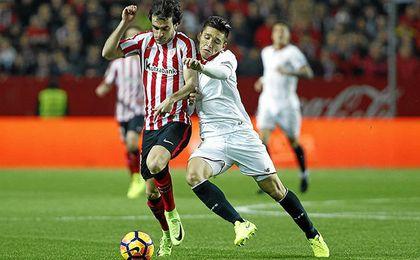 En mayo, técnicos de la Fiorentina vinieron a Sevilla a sondearlo.