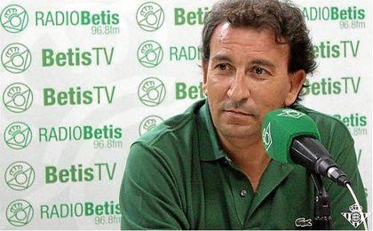 Catalán, vicepresidente del Betis, atendió a la radio oficial del club.