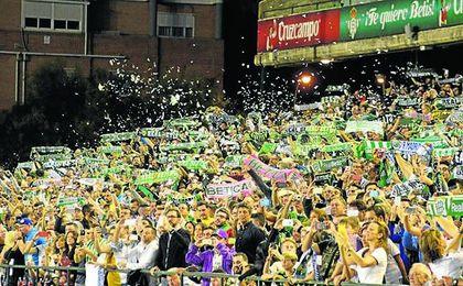 Llenar el remozado estadio Benito Villamarín, con una capacidadad para 60.000 espectadores, el objetivo.