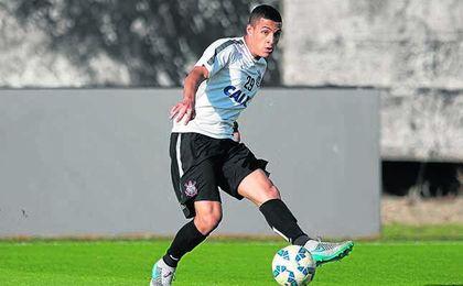 Guilherme Arana se erige en una pieza fundamental en el esquema del Corinthians.