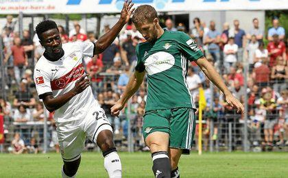 El Betis mejoró su imagen ante el Stuttgart.